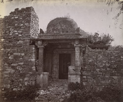 Close view of small domed porch entrance, Shringara Chauri Temple, Chittaurgarh [Chitorgarh]